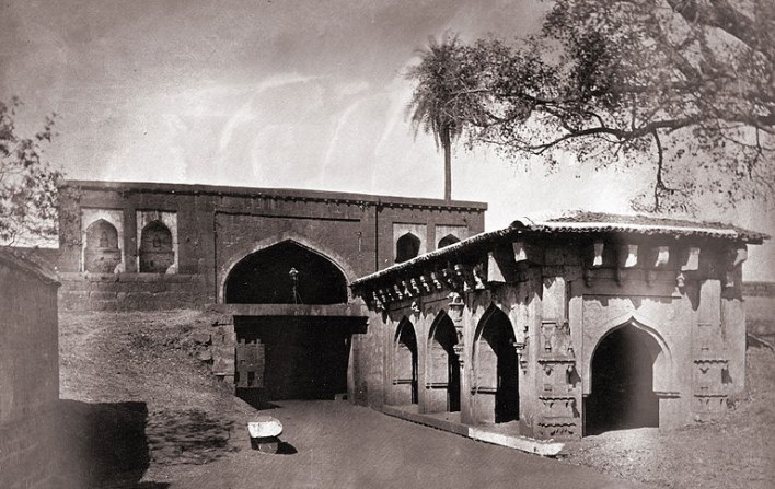 Belgaum Fort. Source http://en.wikipedia.org/wiki/File:General_view_of_the_gateway_of_the_fort,_Belgaum.jpg