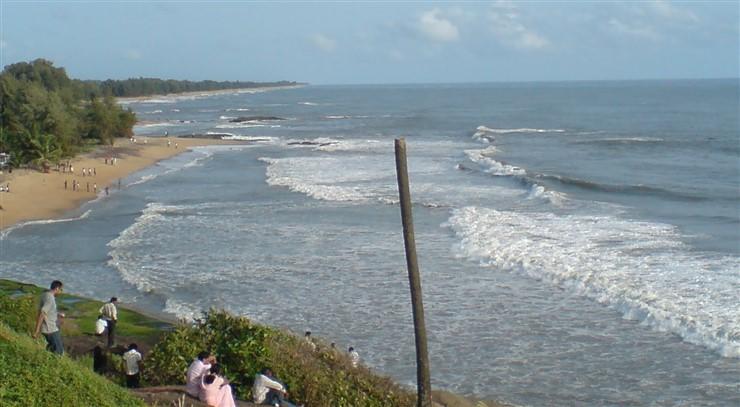 Someshwara Beach, Mangalore. Image Source WeekendThrill.com