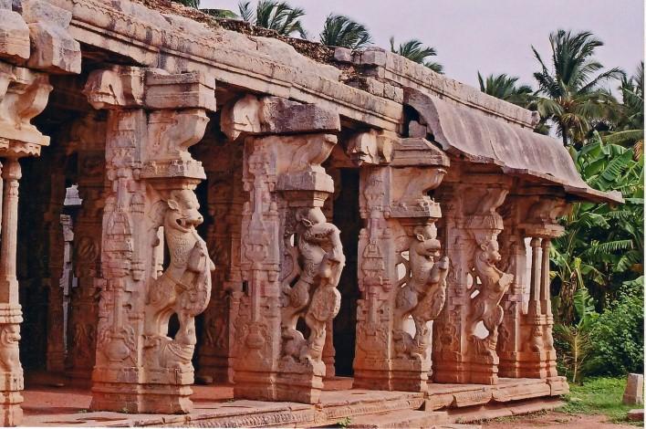 Chandikesvara Temple in Hampi. Photographer Dinesh Kannambadi