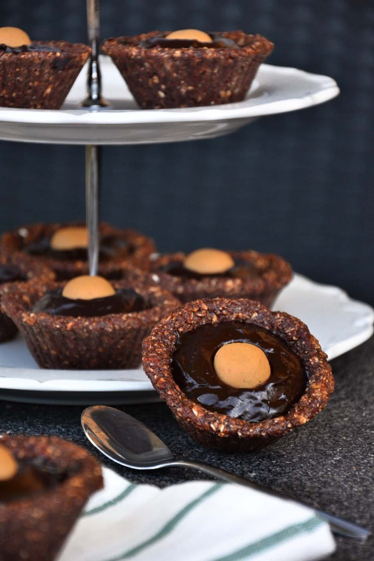 Mini chocolate avocado protein pies
