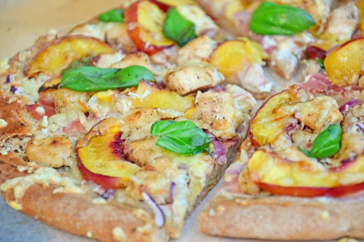 Chicken nectarine pizza