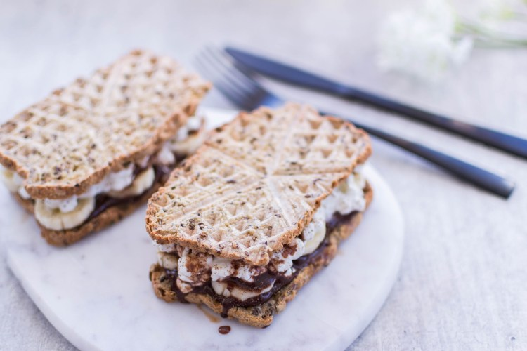 Sandwich med sjokolade, banan og cottage cheese