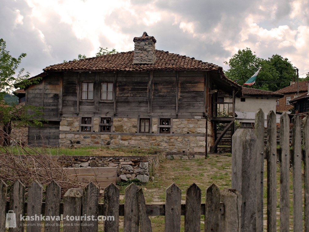 Tour an authentic Strandzha village: Brashlyan