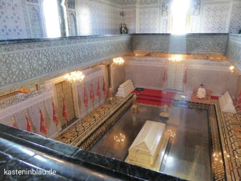 Mausoleum mit den Särgen.