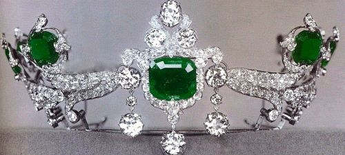 Antique Tiara, USA (ca. 1900; made by Tiffany; emeralds, diamonds