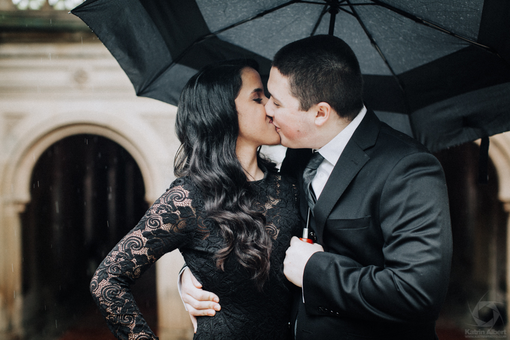katrin-albert-photography-rainy-day-love-story-central-park-nyc-4