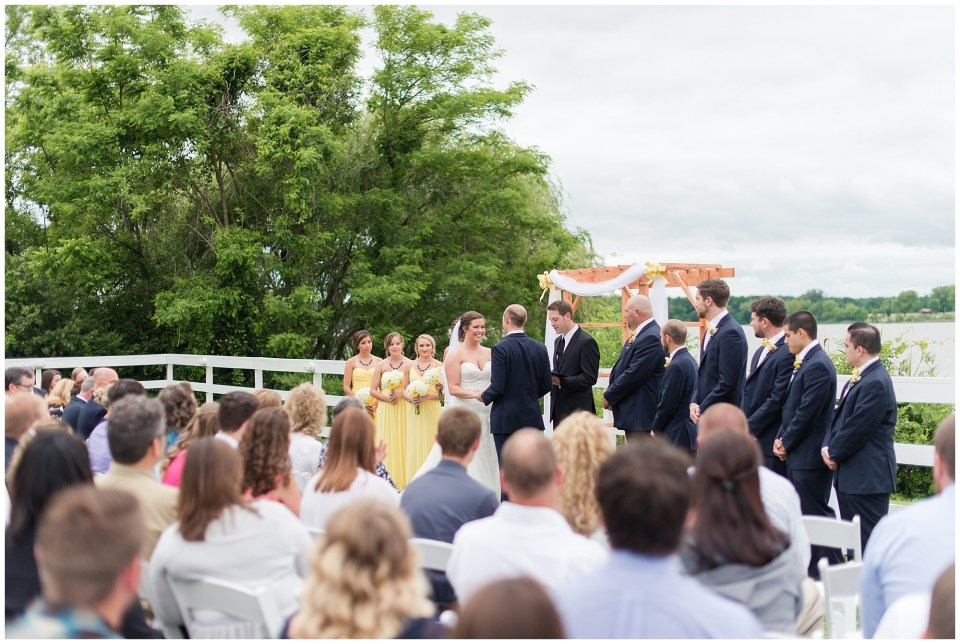 bride and groom saying vows at planter's club
