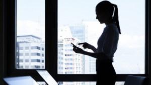 Womenentrepreneurusingphone