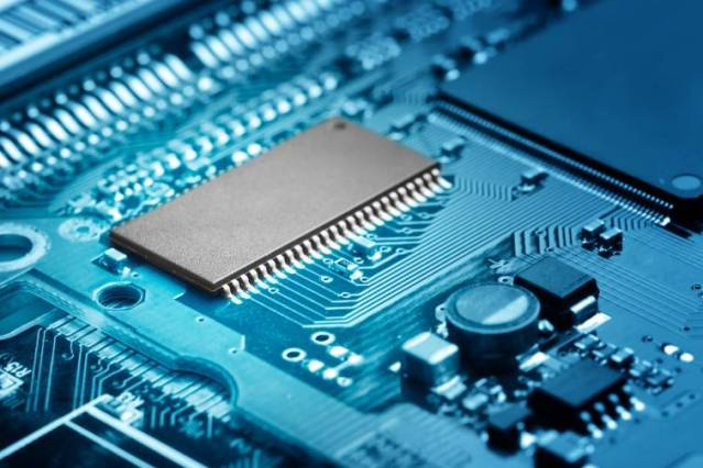 shutterstock_115374190_semiconductor_medium (1)