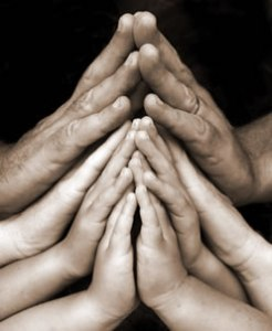 family_praying_hands