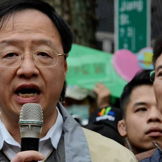 Taiwan Premier Jiang Yi-huah met with Lin Fei-fan, Lai Chung-chiang, 3/22/14. Photo by J Michael Cole