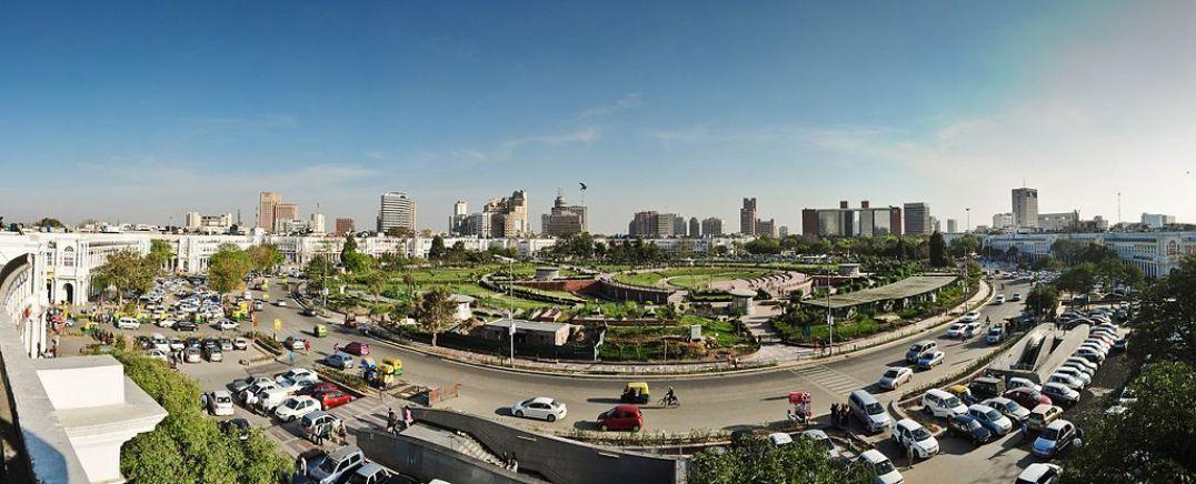 Skyline of Delhi, by Kabi1990, CC BY-SA 3.0