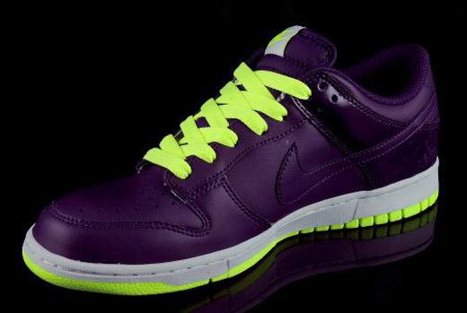 Nike Dunk Low   Grand Purple/Volt