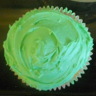 A fun thing to do with kids, Cooking with kids, A kid friendly recipe, Easter Dessert, Spring Dessert, Easter Cupcake, Spring cupcake, Bunny Cupcake, Bird's Nese Cupcake, Chicken Cupcake