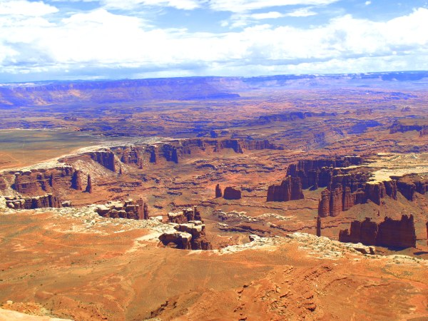 Travelling Utah with a Camperan - Canyonlands National Park
