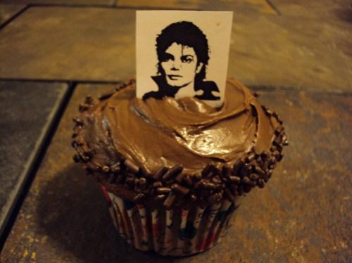 michael jackson chocolate cupcake