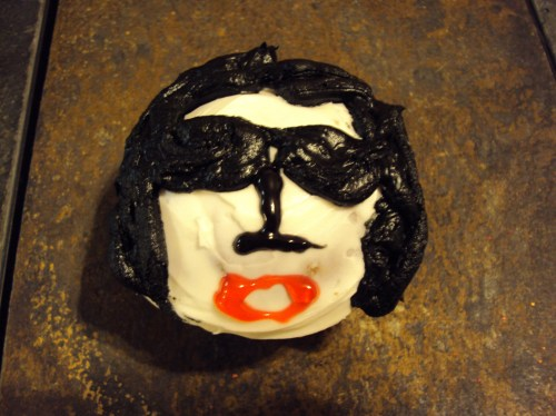michael jackson cupcake with black and white frosting
