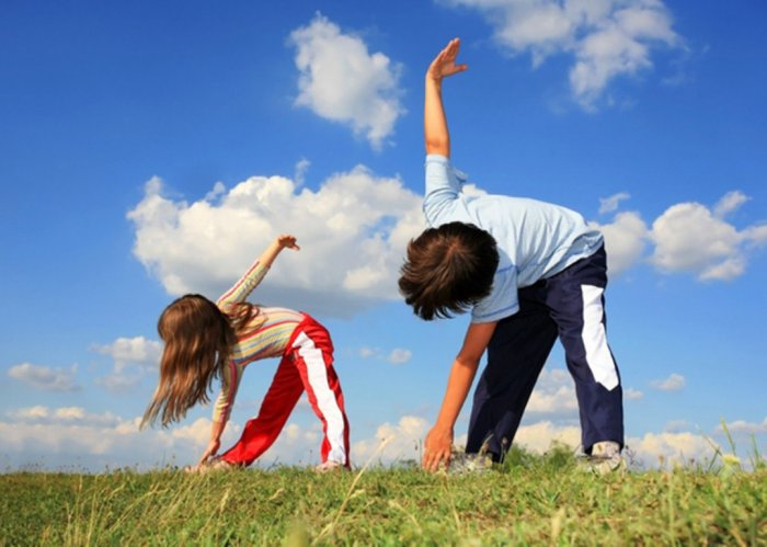 kids_exercising-Medium2