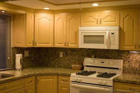 kitchen cabinets traditional light wood 020a s25084672