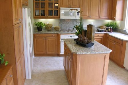 kitchen cabinets traditional light wood 040 s1292013