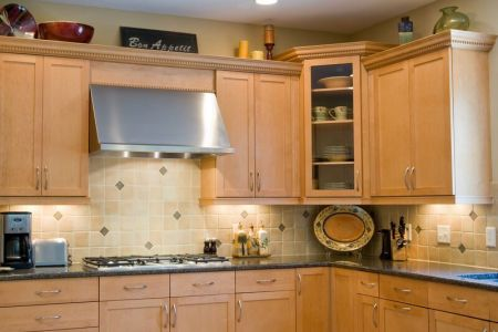 kitchen cabinets traditional light wood 082 s18062776