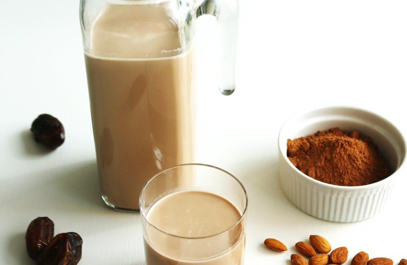 vegan-chocolate-almond-milk