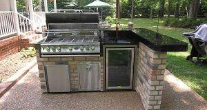 barbeque in outdoor kitchen design