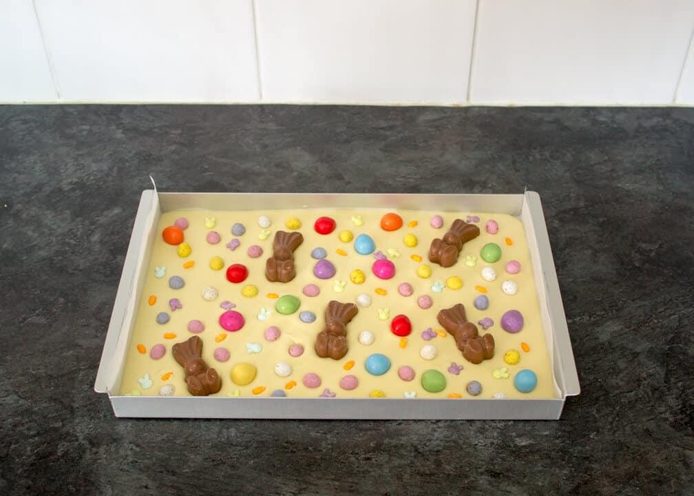 White Chocolate Easter Bark   No Bake   Easy   Eggs   Malteser Bunnies