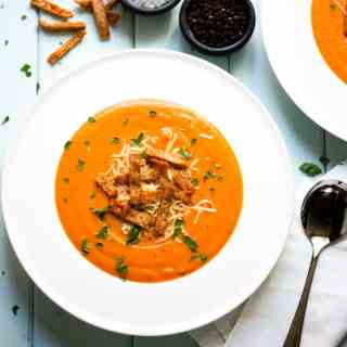 Lentil and Red Pepper Soup with Wholemeal Pita Crisps