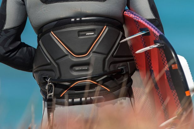 RRD Shift Pro harness 2016 Kiteworld Magazine