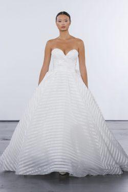 Indulging Train Ball Gown Wedding Dress By Dennis Basso Image Zoomed Ball Gown Wedding Dress Kleinfeld Bridal Ball Gown Wedding Dresses 2018 Ball Gown Wedding Dresses