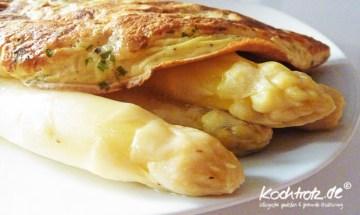 Parmesan-Eierkuchen mit Spargel