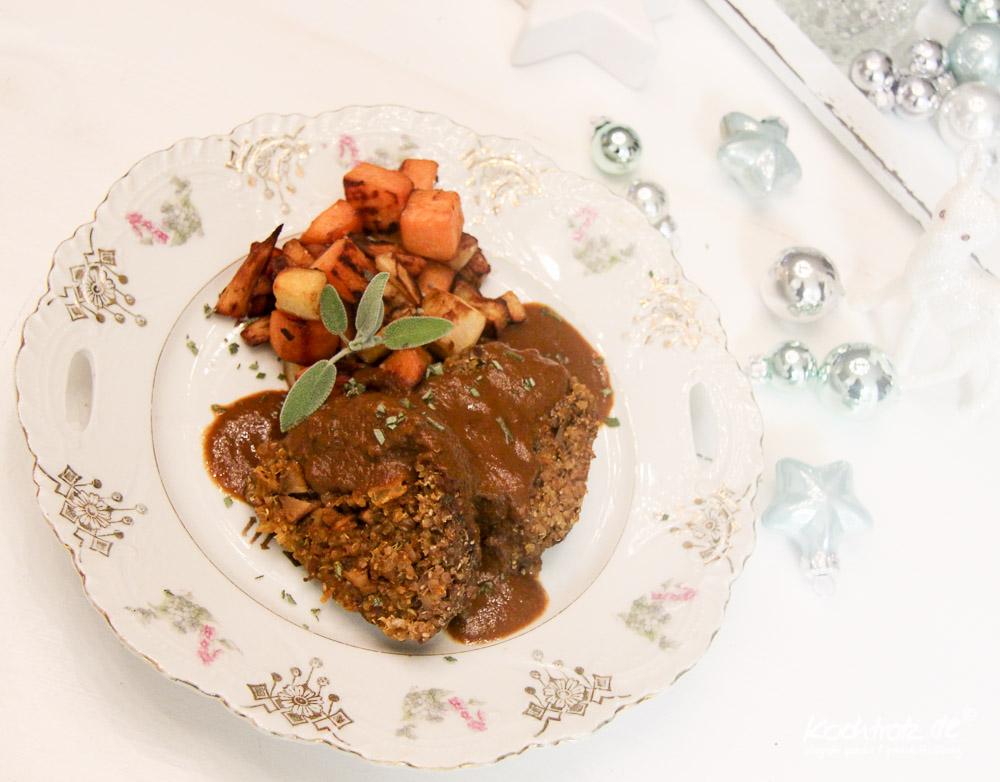 gef llte quinoa maronen rolle mit gebratenen s kartoffel und pastinakenw rfeln und lecker so e. Black Bedroom Furniture Sets. Home Design Ideas