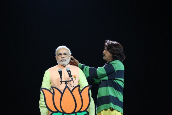 cinematographer-senthilkumar-with -narendara-modi-stills (26)