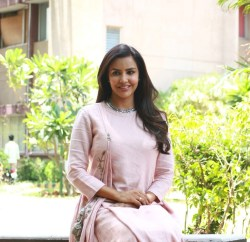 Actress Priya Anand (16) Cropped