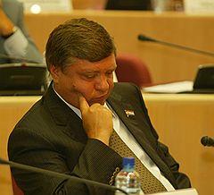 Симонов усиливается активами накануне парламентских выборов?