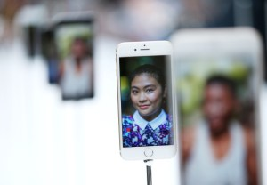 CUPERTINO, CA - SEPTEMBER 09:  The new iPhone 6 is displayed during an Apple special event at the Flint Center for the Performing Arts on September 9, 2014 in Cupertino, California. Apple announced the new iPhone 6 and Apple Watch.  (Photo by Justin Sullivan/Getty Images)