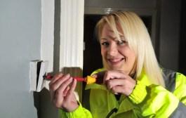 Legrand Elektriğe Kadın Eli Projesi