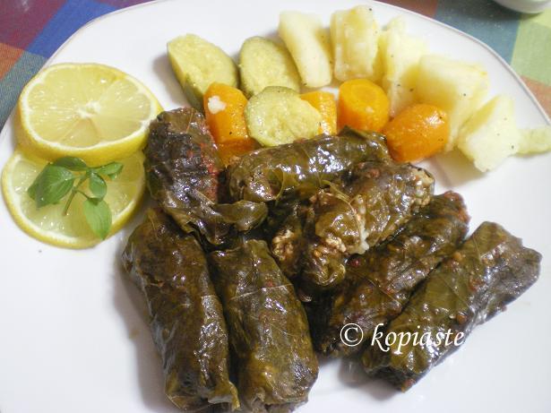 koupepia with tomato
