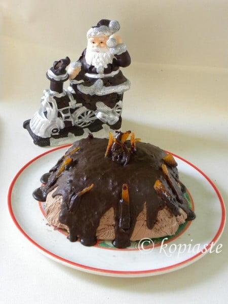 Santa-and-Lava-Cake-450x600