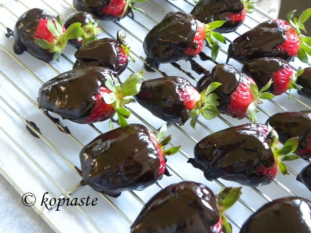 Vegan choco-strawberries