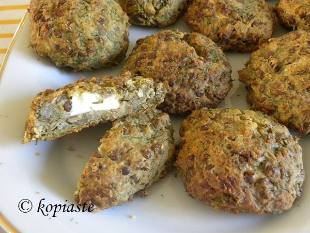 Lentil burgers with Feta and dill