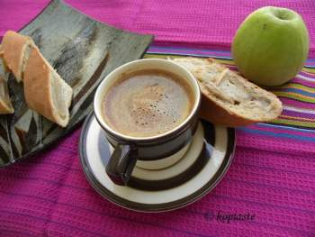 Tahinopita with apples