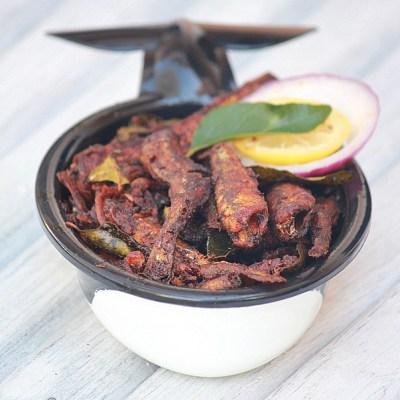 Netholi – Nethili Meen Fry | Chooda – Podimeen Varuthathu | Kerala Style Fried Anchovies