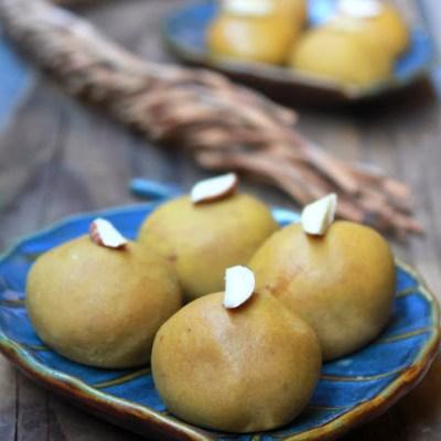 Besan Ladoo – Laddu Recipe – Besan Ke Laddoo Recipe    – Diwali Sweets