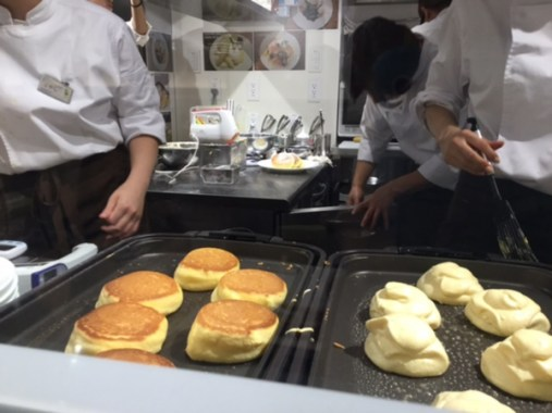 幸せのパンケーキ厨房