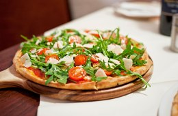 Pizza, Teller, Tomaten, Buccola, Parmesan