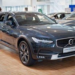 Volvo, Auto