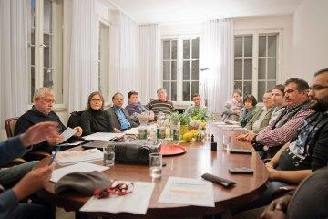 Dach der Kulturen, Tisch, Menschen in der Kirchengemeinde Alt Krefeld