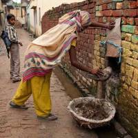 Gujarat- Ahmedabad has 188 manual scavengers, says Census '11